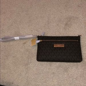Michael Kors Jet Set signature large wristlet